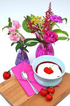 Jordbær supper med råcrem