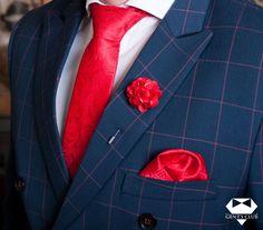 Nyakkendő Zsebkendő Dísztű Piros Virágmintás, 3 darabos készlet  Férfiaknak szükséges teljes kellékcsomag, ami nyakkendőből, zsebkendőből virágot ábrázoló dísztűből áll. Különleges motívumokat tartalmazó férfi kellékek, amelyeket különleges eseményeken viselik. A csomagot Gent's Club ajándék zacskóban kínáljuk, amihez tanácsokat tartalmazó szórólapot is ajándékozunk a nyakkendő megkötéséhez és a zsebkendő különböző formájú összehajtásához. Accessories, Fashion, Moda, Fashion Styles, Fashion Illustrations, Jewelry Accessories