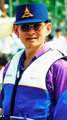 รูปภาพ King Phumipol, King Of Kings, King Queen, King Thailand, Bhumibol Adulyadej, King Photo, The Past, Royalty, Portrait
