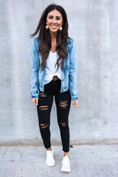 40 Cute Casual Outfits With Denim Jeans for Spring - Bebeautylife Winter Outfits For School, Cute Casual Outfits, Fall Winter Outfits, Summer Outfits, School Outfits, Cute Outfits With Nikes, Cute Sneaker Outfits, Fall Dress Outfits, Comfortable Fall Outfits