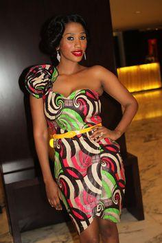 Kiki's Fashion: Mange looking Hawt in Kiki's Kitenge dress