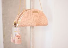 Party bag made of salmon pink silk cord Leather Bags Handmade, Handmade Bags, Diy Clutch, Wedding Bag, Art Bag, Diy Hat, Macrame Bag, Sisal, Clothing Hacks