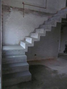 Staircase Information And Details Under Construction - Engineering Discoveries Home Stairs Design, Railing Design, Interior Stairs, Home Room Design, Concrete Staircase, Classic House Exterior, Flur Design, Indian House Plans, Model House Plan