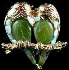 Jewelry / Vintage 1960s Signed Swoboda Carved Jade & Turquoise Lovebirds Brooch Pin /165