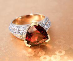 Venz découvrir notre collection de bijoux en or sertis des plus belles pierres fines et précieuses  véritables! Juwelo Bijouterie en ligne