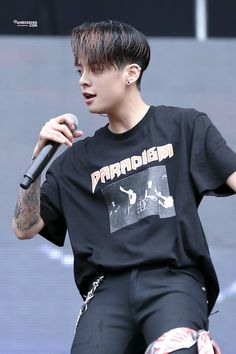 Amber in Ultra korea 2016 #breathe again