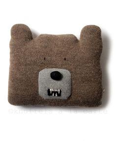 bear pillow by Oeuf bear teddybear alpaca fairtrade  http://www.knuffelsalacarte.nl/gemaskerd-berenkussen-p-16456.html