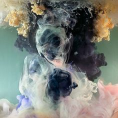 BROOKE - Kim Keever - Exploration expérimentale de la forme et de la couleur - ambiance onirique, fantomatique / inspiration pour inclusions en résine /