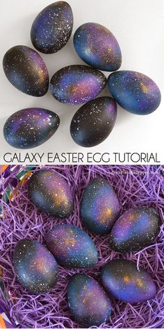 Easter Egg Tutorial - Dream a Little Bigger Make some galaxy Easter eggs that are out of this world!Make some galaxy Easter eggs that are out of this world! Spring Crafts, Holiday Crafts, Holiday Fun, Hoppy Easter, Easter Bunny, Easter Egg Crafts, Easter Stuff, Painted Eggs Easter, Painting Eggs For Easter