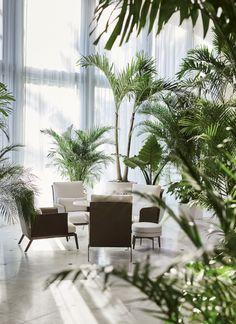 Flexform at Miami Beach Edition Hotel, Happy Hour Armchairs, Feel good ottoman #flexform #flexformukraine #itisflexform #флексформукраина #флексформ