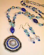 Beautiful necklace and earrings! Jafy's Handmade Jewelry Creations Sets www.jafys.com