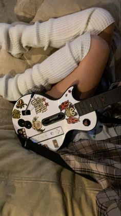 Princesa Emo, Grunge, Music Aesthetic, Thing 1, My Vibe, Cool Guitar, Photo Dump, Looks Cool, Swagg