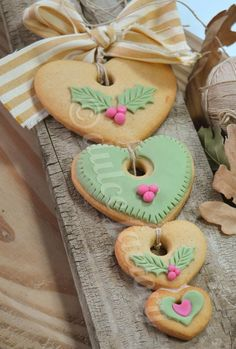 Hanging hearts, Christmas cookies...could make from clay as tree decorations