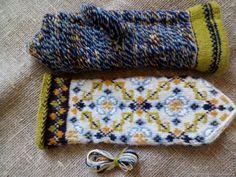 Mittens Pattern, Knit Mittens, Knitting Socks, Knitted Hats, Knit Socks, Fair Isle Knitting, Fingerless Gloves, Arm Warmers, Color Blocking