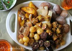 Picada o Fritanga. My Colombian Cocina. Colombian Cuisine, Colombian Recipes, Puerto Ricans, Pretzel Bites, Carne, Cravings, Sausage, Stuffed Mushrooms, Homemade