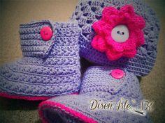 Bello juego de gorrito y boticas tejidas para tu bebé! Por #encargoSK te lo hacemos del color que desees.