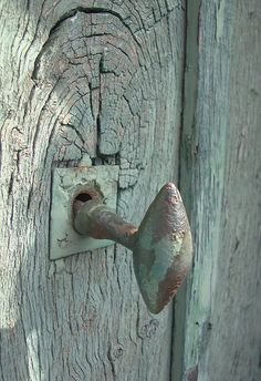 Door knob, Vaucresson, France-Love the old wood door & rusty door knob