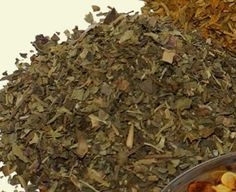Oregano contains thymol and rosmarinic acid that work on the body to minimize the destructive effects of free radicals. According to researchers at the USDA's Beltsville Agricultural Research Center in Maryland, a tablespoon of fresh oregano contains as much antioxidant power as a medium sized apple.