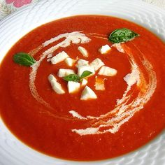 Tomato Soup from feinundlecker Thai Recipes, Soup Recipes, Salad Recipes, Cooking Recipes, Vegetable Lo Mein, Coconut Milk Soup, Thai Soup, Fresh Cream, Healthy Recipes For Weight Loss