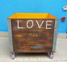 Reciclagem de caixote de madeira by ALÉM DA RUA ATELIER/Veronica Kraemer, via Flickr  #caixote #reciclagem #upcycling #alemdarua #paracasa #decoração
