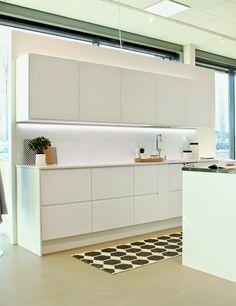 Metsolassa: Avattu House2 Kitchen Island, Kitchen Cabinets, Kitchens, House, Home Decor, Island Kitchen, Decoration Home, Home, Room Decor