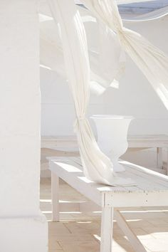 Decorating Your Home in Shades of White All White, Pure White, White Light, White Feed, White Stuff, White Aesthetic, White Space, Shades Of White, Interiores Design
