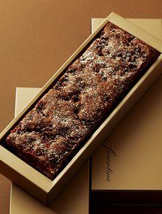 ケーキ・スイーツ 「フィオレンティーナ ペストリーブティック」|グランド ハイアット 東京(六本木ヒルズ)/バナナ&チョコチップブラウニー¥1,150