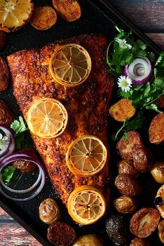 Salmon Tandoori Salmon with Indian-Spiced Potatoes is a mess-less meal for the holidays.Tandoori Salmon with Indian-Spiced Potatoes is a mess-less meal for the holidays. Fried Fish Recipes, Seafood Recipes, Indian Food Recipes, Cooking Recipes, Ethnic Recipes, Dinner Recipes, Chicken Recipes, Fisher, Comida India