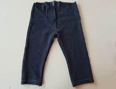 Baby-Wohlfühl-Jeans: kostenloses Schnittmuster & Nähanleitung Gr. 50-92 - Stoffwindelei.de Denim Skinny Jeans, Sewing, Pants, Fashion, Kids Pants, Kids Sewing Patterns, Baby Sewing, Trouser Pants, Moda