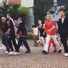 Gosha Rubchinskiy, İlkbahar/Yaz '17 sezonunda Fila, Sergio Tacchini ve Kappa gibi markalarla güçlerini birleştiriyor. 80'ler futbol modası tutkunlarının heyecanla beklediği koleksiyon Türkiye'de sadece Shopi go'da yer alacak!  #repost @i_d  Gosha Rubchinskiy had worked with the brands beloved of Casuals, that 80s tribe of fashion-obsessed football fans: Fila, Sergio Tacchini and Kappa. Gosha's SS17 collection will be exclusively available at Shopi go in Turkey.  #shopigo #gosharubchinskiy…