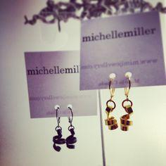 2 pairs of Loopt earrings Place Cards, Place Card Holders, Pairs, Jewels, Earrings, Jewelery, Stud Earrings, Jewelry, Ear Rings