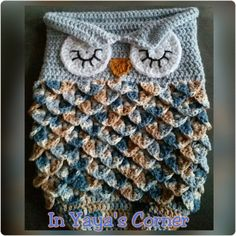 This handmade sleeping baby owl cocoon is sure to keep your bundle of joy warm. Made of 100% cotton, this variagted yarn is beautifly displayed