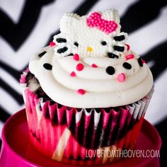 Love From The Oven Zebra Cupcakes..ZEBRA HK CUPCAKES!! I LUV THESE ..heading to kitchen now..
