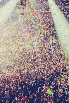 Организуешь вечеринки? HopHop поможет собрать людей и рассказать о событиях легко и быстро. www.hophop.mobi