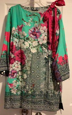Pakistani Designer Shirt on Mercari Pakistani Dresses Party, Simple Pakistani Dresses, Pakistani Fashion Party Wear, Pakistani Dress Design, Ladies Kurti Design, Kurta Designs Women, Sleeves Designs For Dresses, Dress Neck Designs, Stylish Dresses For Girls