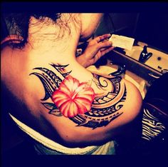 Samoan design, poly tattoo, hibiscus flower.
