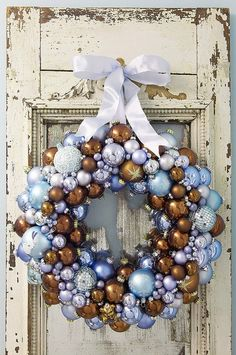 20 awesome ornament wreaths christmas wreaths, vintag christma, blue, colors, awesom ornament, ornament wreath, christmas decorating ideas, ornaments