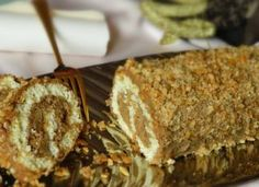 Krémes diótekercs – nálunk ez a kedvenc ünnepi finomság! Poppy Cake, Hungarian Recipes, Hungarian Food, Salty Snacks, Holiday Dinner, Cake Cookies, Banana Bread, Meal Planning, French Toast