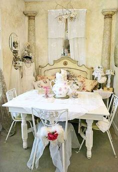 Love the bench that looks like it was made from a headboard. Shabby Chic Dinning Room, Shabby Chic Kitchen, Shabby Chic Cottage, Shabby Chic Homes, Shabby Chic Style, Shabby Chic Decor, Romantic Cottage, Vintage Decor, Distressed Furniture