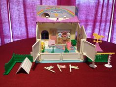 Vintage 1983 My Little Pony SHOW STABLE by ThePoubelleTwins