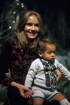 Annie and Zak Denver. Rocky Mountain Christmas, 1975.