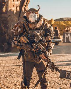 Apocalypse Costume, Apocalypse Art, Apocalypse Character, Dystopia Rising, Character Art, Character Design, Wasteland Weekend, Combat Armor, Apocalyptic Fashion