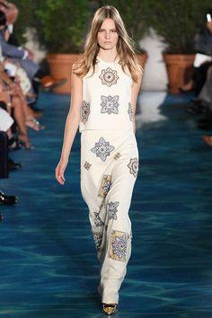 Tory Burch Spring/Summer 2014  #toryburch #nyfw #mbfw #springsummer #fashionweek #2014 #ss14 #fashion #catwalk #runway #fashionshow #model
