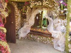 Port Meadow Cottage Fairy House    Custom Order von MelissaChaple