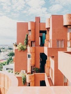 Design Studio Inspiration | Walden 7 - Catalonia, Spain | Design by Ricardo Bofill | PC: Salva López