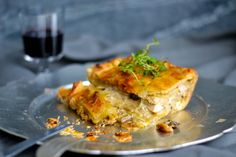 CHICKEN, LEEK, THYME AND MUSHROOM PIE