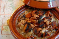 Baked chicken Tagine, Apricot and almond - Emilie and Lea Almond Recipes, Healthy Recipes, Tagine Recipes, Tasty, Yummy Food, Baked Chicken, Pot Roast, Food To Make, Favorite Recipes