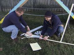 Dog Agility How to Build a Dog Agility Course : How-To : DIY Network - Build obstacle course: a climbing wall, teeter-totter and weave sticks. Agility Training For Dogs, Best Dog Training, Dog Agility, Training Online, Aggressive Dog, Separation Anxiety, Courses, Dog Life, I Love Dogs