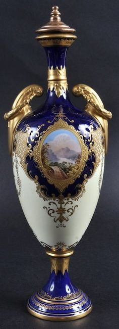 A 20TH CENTURY COALPORT TWO HANDLED VASE AND COVER pain : Lot 1186