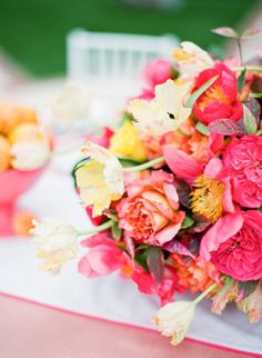 gorgeous bright blooms! | KT Merry #wedding